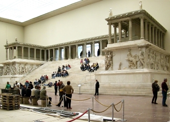 pergamonmuseum_pergamonaltar